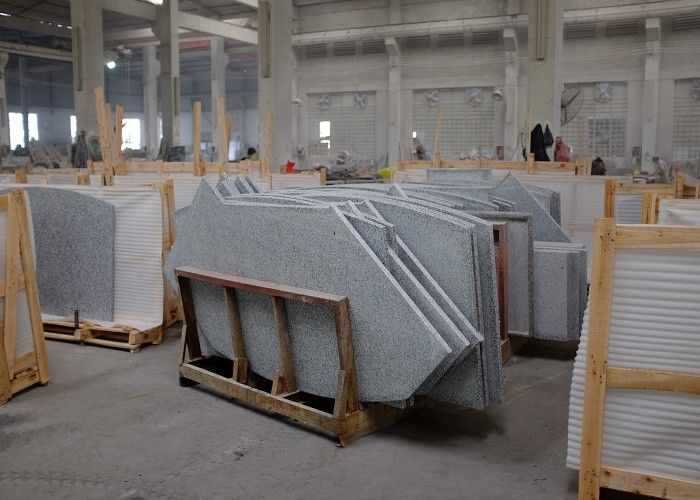 Grey White Granite Stone Tiles 2 - 3g / M³ Granite Density High Hardness